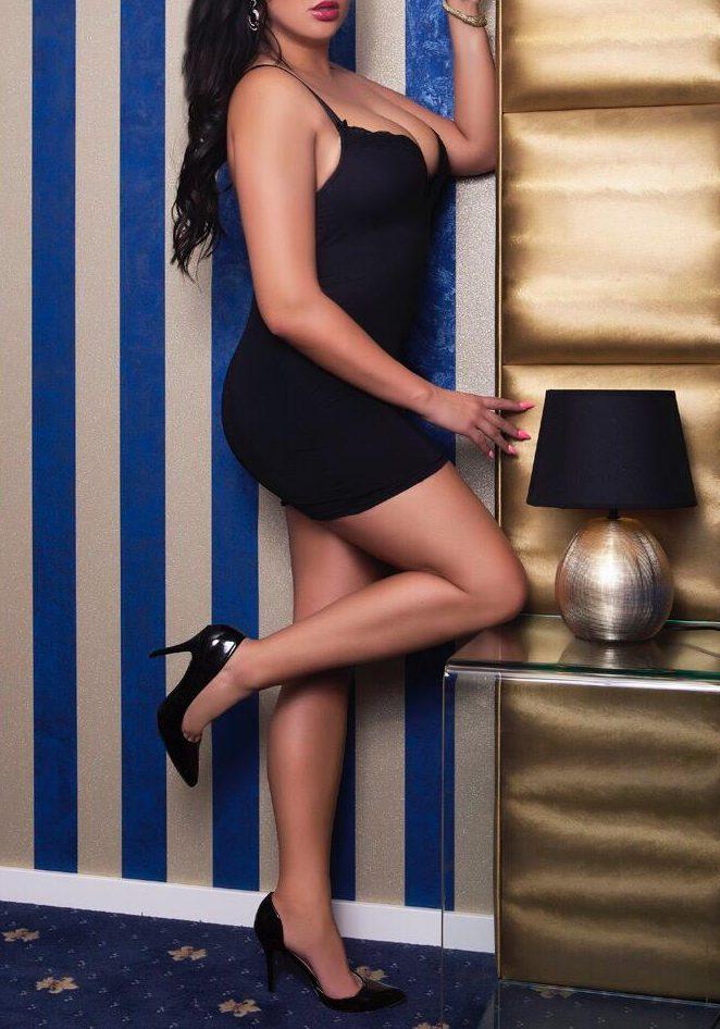 premium escort girl lea in sexy black dress